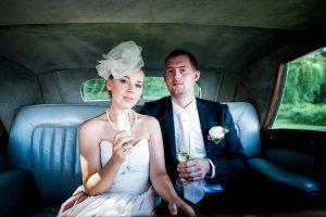 Bryllups fotograf. Bryllupsbilleder er noget helt særligt, og vælger man at betale en fotograf